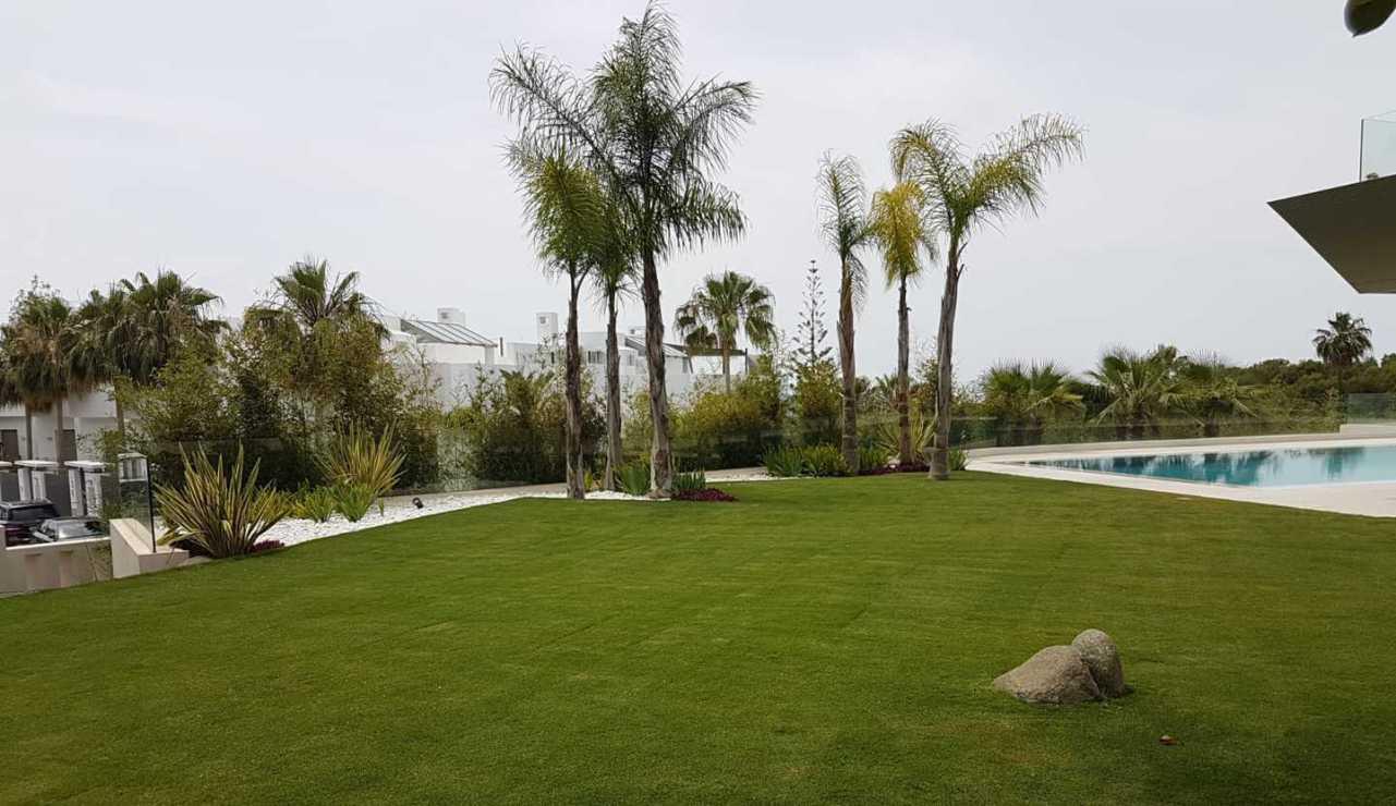 garden in marbella hills